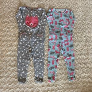 Bundle of 2 long sleeve pajama sets